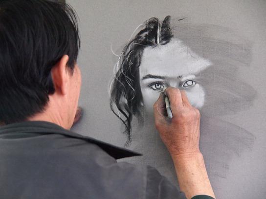artist-1245726_640